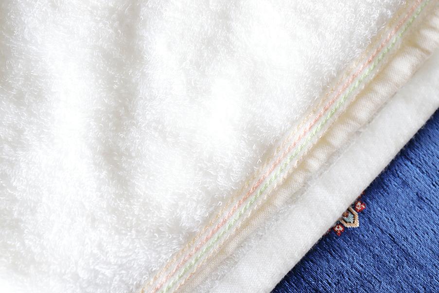 吸水性、速乾性も綿より優れるリネンを使用